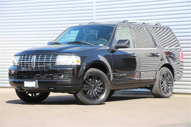 Pre-Owned 2014 Lincoln Navigator Base